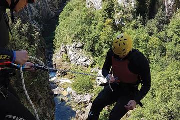 Aventure de canyoning extrême au...