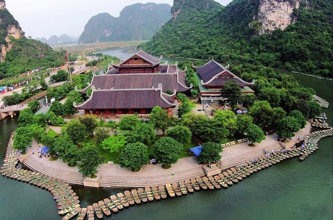 Group Tour Bai Dinh Pagoda & Trang An Eco Tour