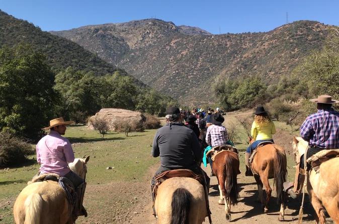 Guided Horseback riding full day Santiago