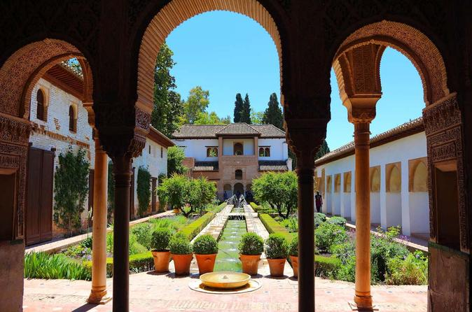 10-Day Morrocco and Andalusia Guided Tour From Madrid