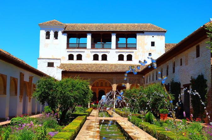 Excursão guiada de 4 noites em Andaluzia: Córdoba (ou Caceres), Sevilha, Ronda, Marbella, Granada e Toledo saindo de Madri