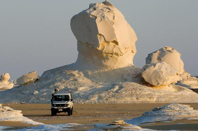 Private Overnight White Desert and Bahariya Oasis Tour