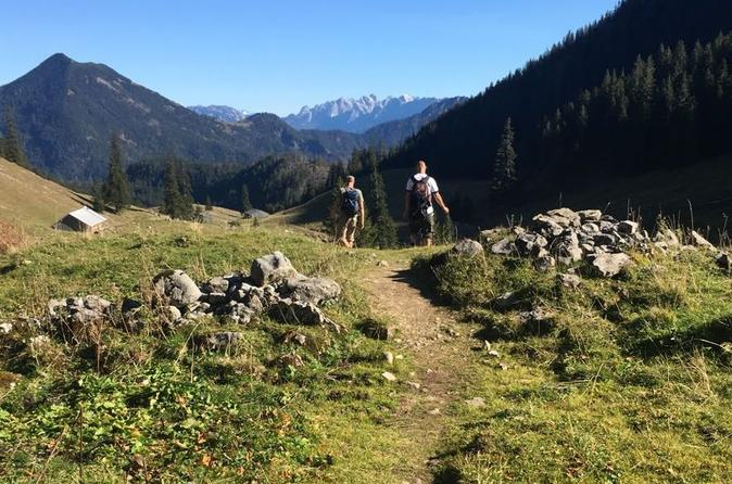 Active Mountain Tour in the alps near Munich with traditional bavarian food