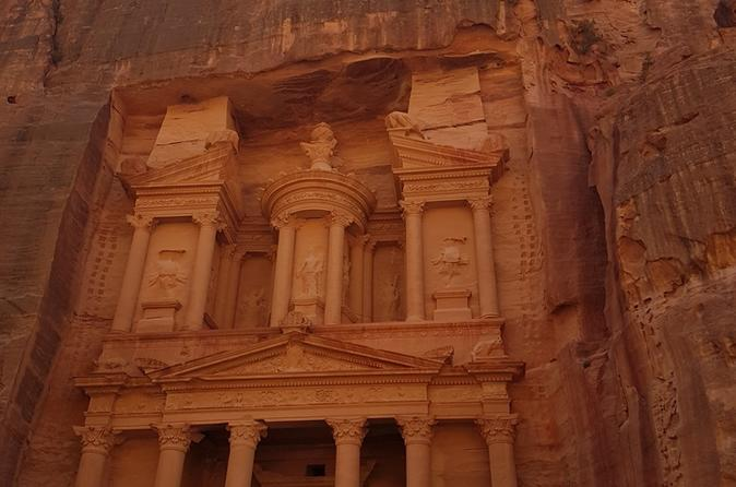 Petra and Wadi Rum: Southern Jordan Private Tour from the Dead Sea