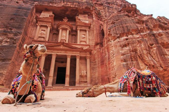 Southern Jordan Tour: Day trip to Petra and Wadi Rum