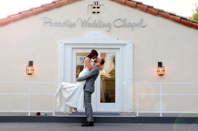 Quickie Las Vegas Wedding at Paradise Wedding Chapel