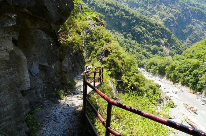 Amazing Taroko National Park Full-Day Tour