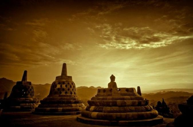 Overnight borobudur sunrise tour in yogyakarta city 197009