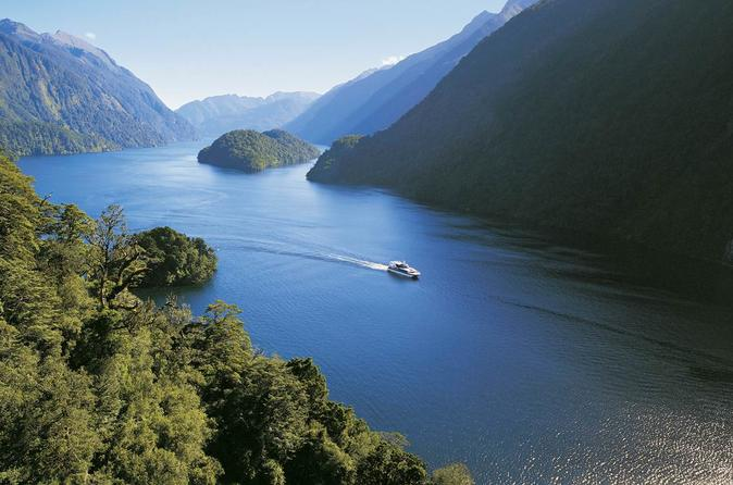 Queenstown to Doubtful sounds Private Luxury Day Tour