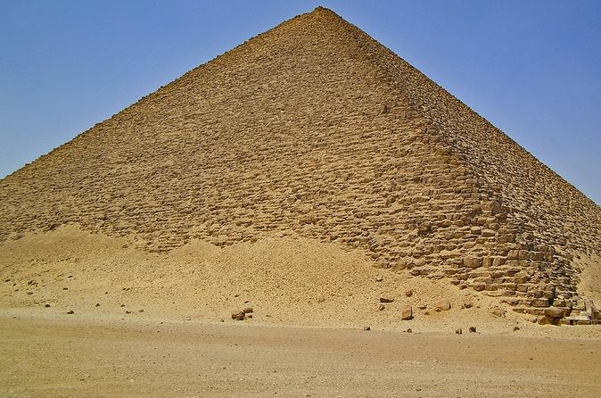 Private 2 days in Giza and Cairo with 2 evenings including airport transfers