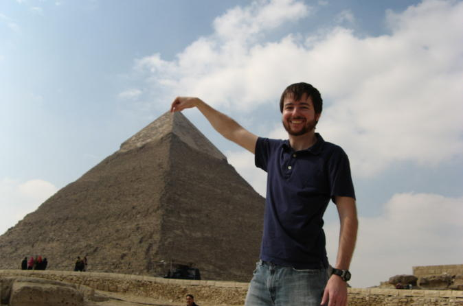Private Day Trip with Guide to Giza Pyramids and Saqqara from Cairo