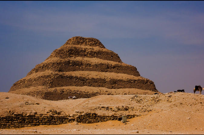 Private Guided Day Tour of Giza and Saqqara with Egyptian Lunch and Camel Ride