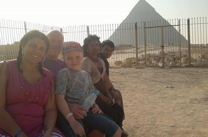 Pyramid Highlights: private Day Tour to Giza Sakkara and Dahshur from Cairo