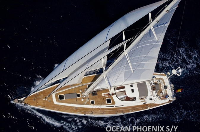 Sailing Yacht Day Trip to Barú and Rosario Islands