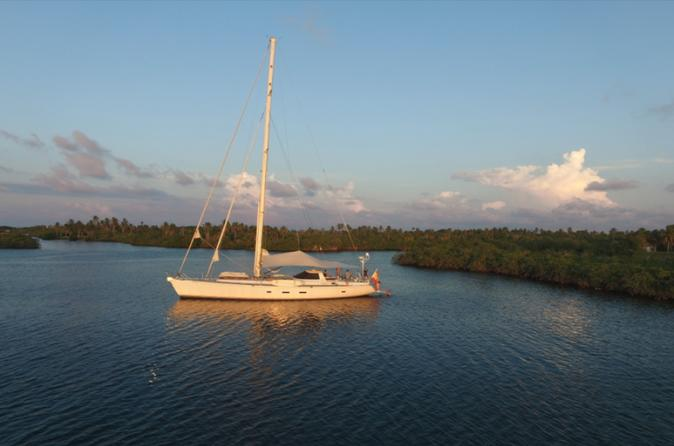 Sailing Yacht Day Trip to Baru and Rosario Islands
