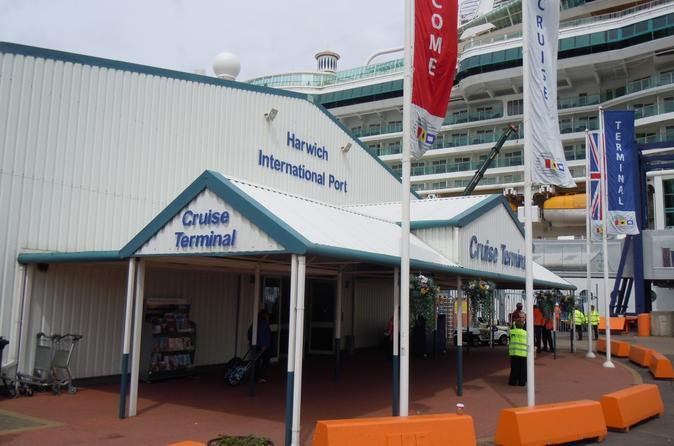 Private Minivan Arrival Transfer: Harwich Cruise Terminals to Heathrow Airport
