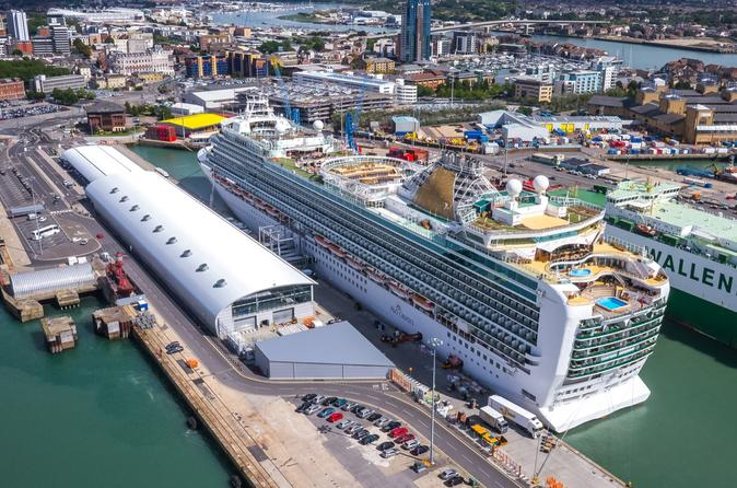 Private Minivan Departure Transfer: London to Southampton Cruise Terminals