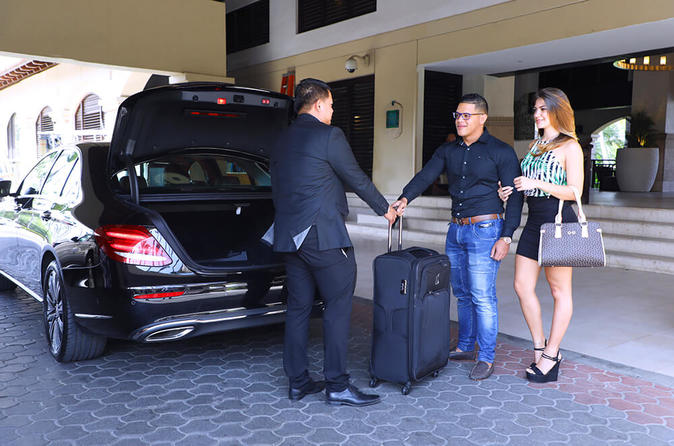 Pick Up From Airport Or Train Station In Da Nang To Hoi An By Private Car