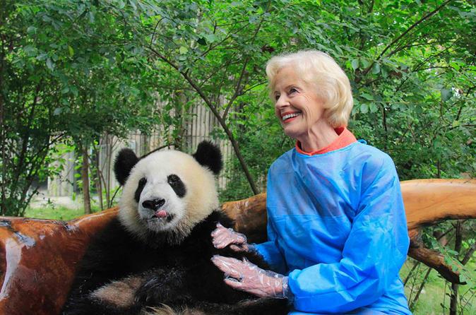 Private One Day Panda Volunteer Work at Chengdu Giant Panda Breeding Research Base in Dujiangyan