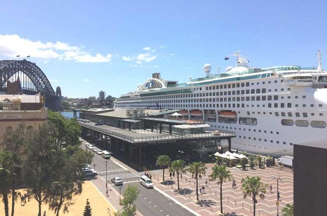 Shuttle Transfer from Sydney Airport to Cruise Ship Terminal at Circular Quay
