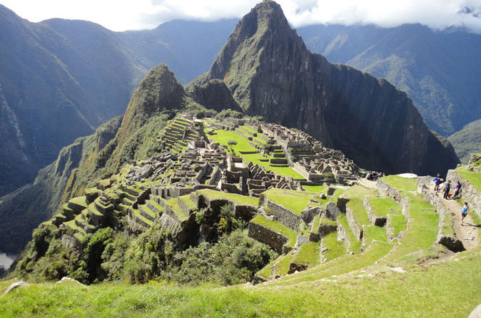 7-Day Luxury Tour of Cusco and Machu Picchu from Lima