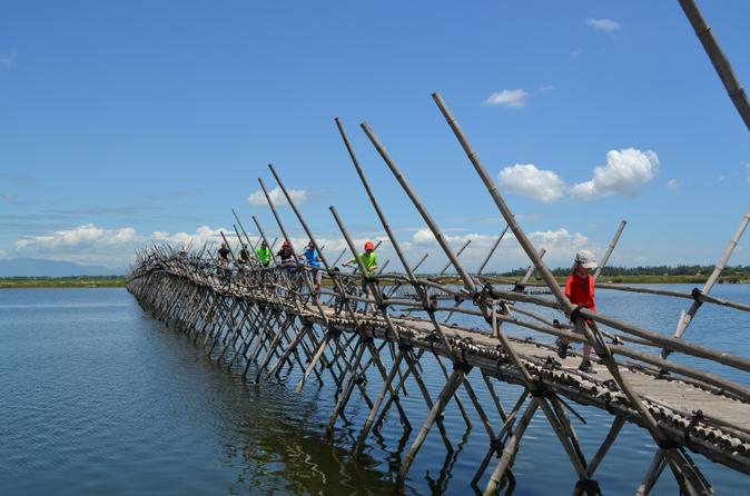 Hoi An Bike Tour with Homestay Experience