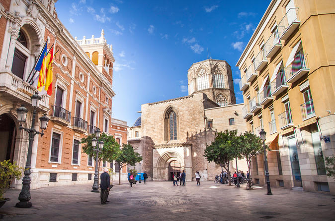 Essentials of Valencia and its World Heritage sites