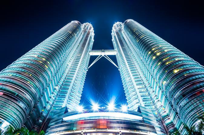 Kuala Lumpur Round Trip Airport Transfers with Free Petronas Towers Tickets