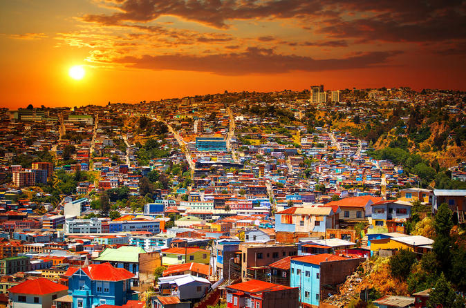 Small Group Tour to Viña  del Mar and Valparaiso from Santiago with Wine Tasting