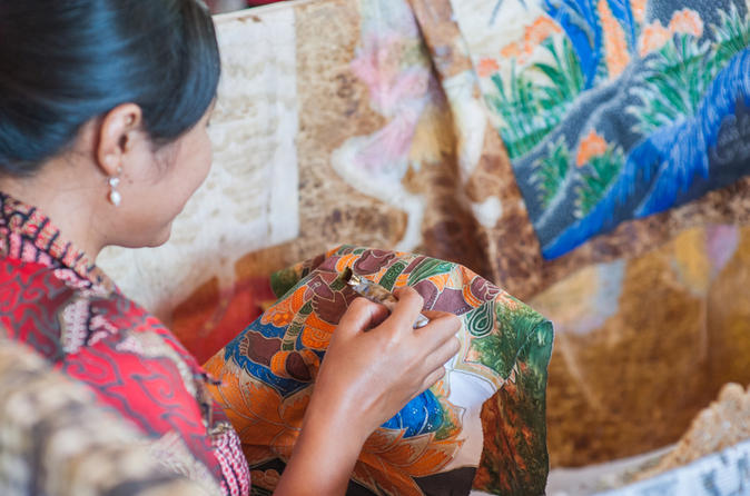 Full-Day Bandung Heritage And Cultural Tour