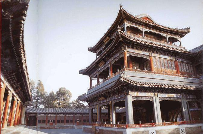 Beijing Private Sightseeing Tour with Acrobatic Show