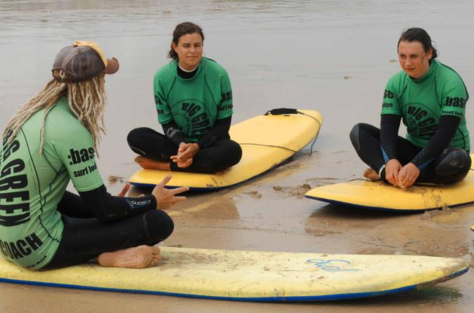 Surf lesson on fistral beach in newquay 223538
