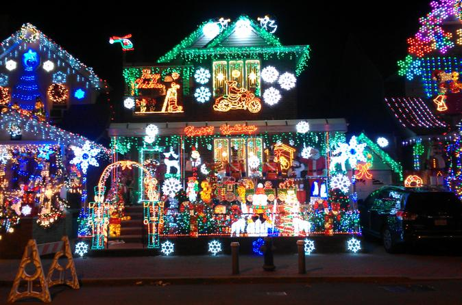 Dyker Heights Brooklyn Christmas Lights.New York Christmas Lights In Dyker Heights Brooklyn In