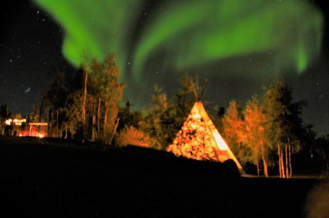 Yellowknife Northern Lights Viewing Tour Including 3 Nights Accommodation