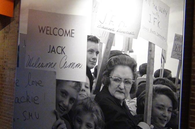 2 Hour JFK Assassination Small-Group Tour