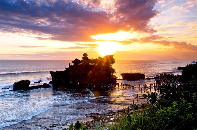 Excursão diurna particular: Ubud e Tanah Lot