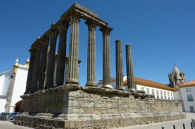 Excursão privada em Évora saindo de Lisboa