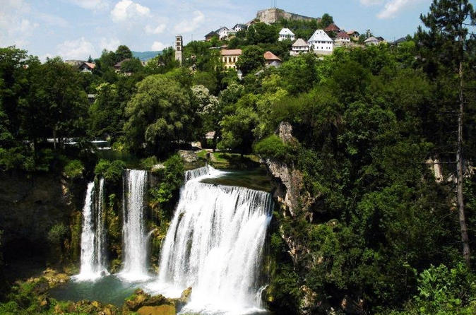 Jajce with Pliva lakes and Travnik day tour from Sarajevo