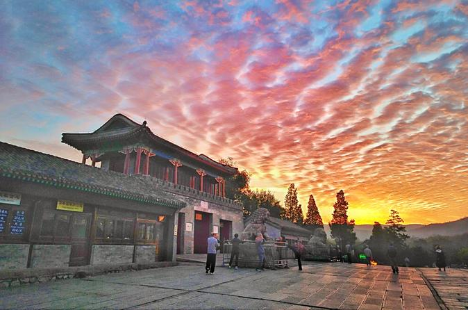 All Inclusive 2-Day sunset at the Jinshanling and Mountain Resort in Chengde
