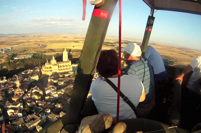 Special couples: One night accomodation in double room  &  2 Hot Air Balloon tickets over Segovia (selfdrive)
