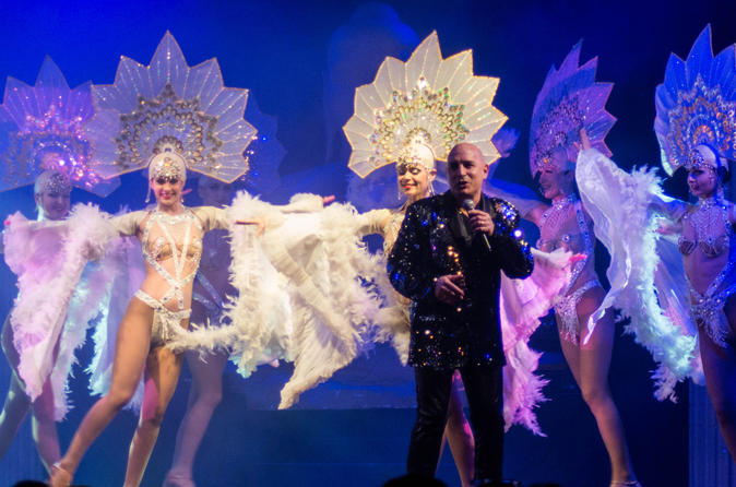 Lunch or dinner cabaret show in normandy in saint james 237723