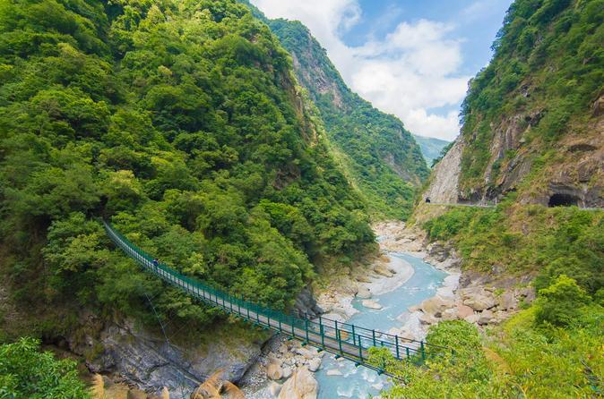 Spectacular hiking in taroko gorge zhuilu old trail in hualien city 294806