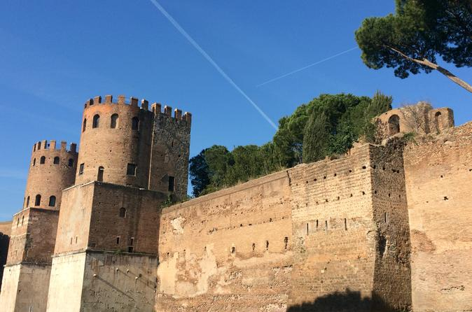 Private Tour: Baths and Walls walking tour and van transfer
