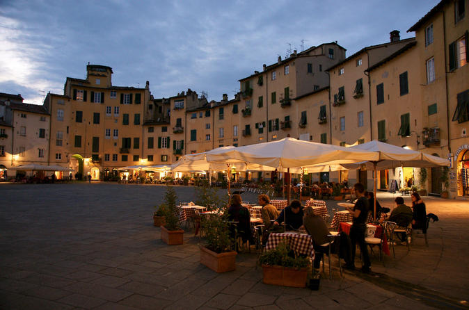 Lucca Round Trip Experience from Florence
