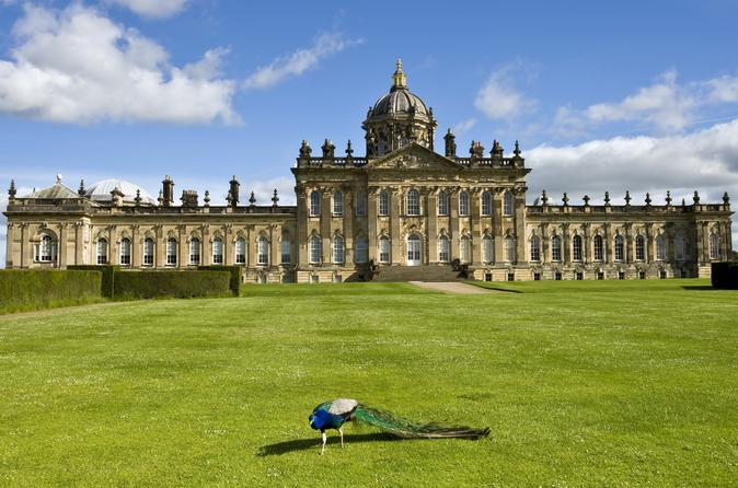 Castle Howard and Fountains Abbey day trip from York