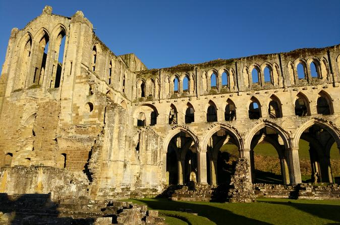 Helmsley, Rievaulx Abbey, and North York Moors half-day tour from York