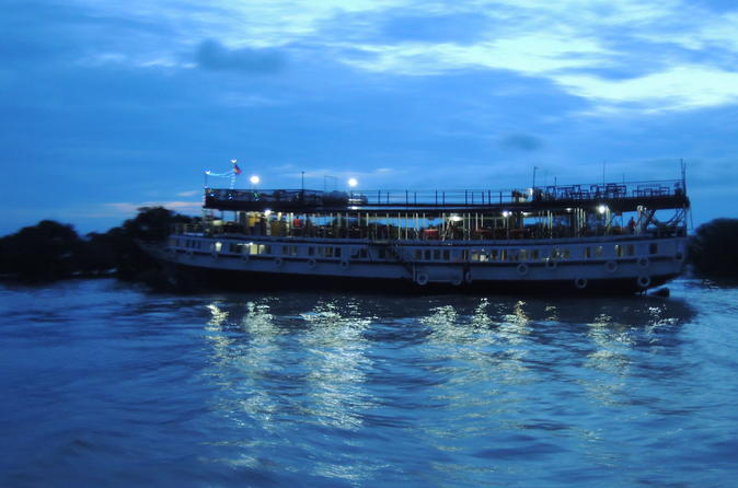Sunset Dinner on Tonle Sap Lake with a Floating Village Tour