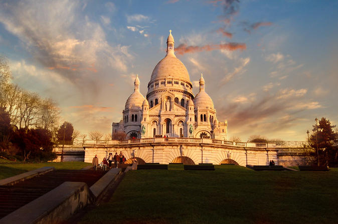 Paris 2-Hour Private Historical Walking Tour of Montmartre