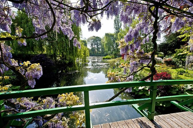 Small Group Giverny and Rouen Day Trip from Paris