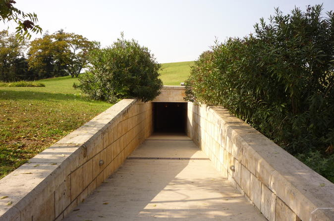 Vergina Royal Tombs Half Day Small-Group Tour from Thessaloniki